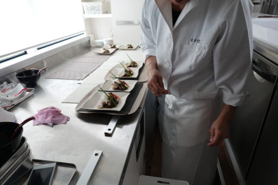 東京レストランバスのキッチン (2)