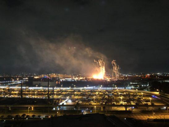 シェラトン・グランデ・トーキョーベイホテルの客室からの東京ディズニーランドの花火
