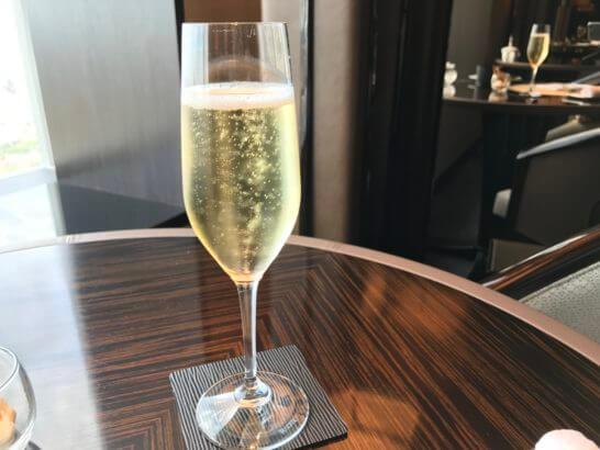 ザ・リッツ・カールトン東京の朝食のスパークリングワイン