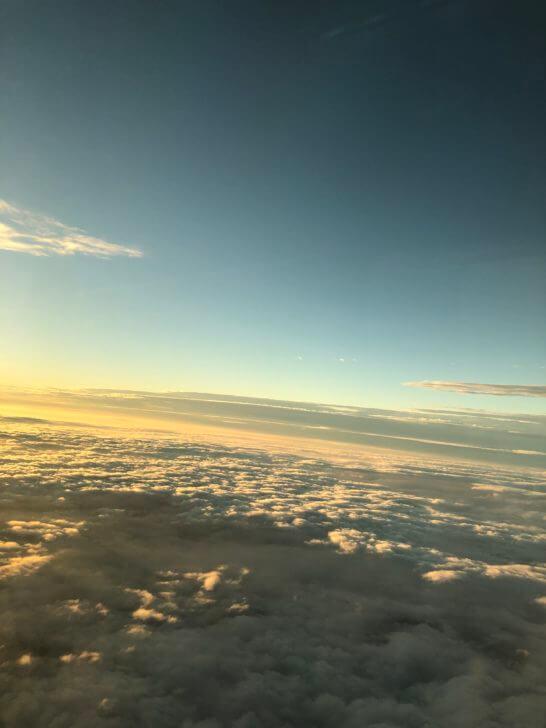 ANAの機内の窓からの景色
