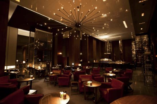 アンダーズ東京の51Fのレストラン・バー「タヴァン」
