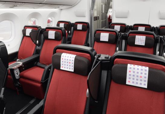 JALのプレミアムエコノミークラスのシート