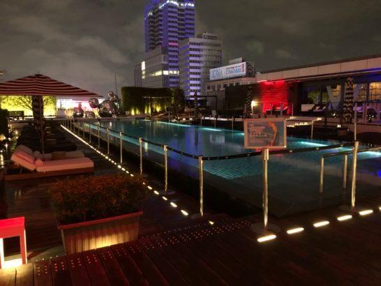 Wホテル台北のナイトプール