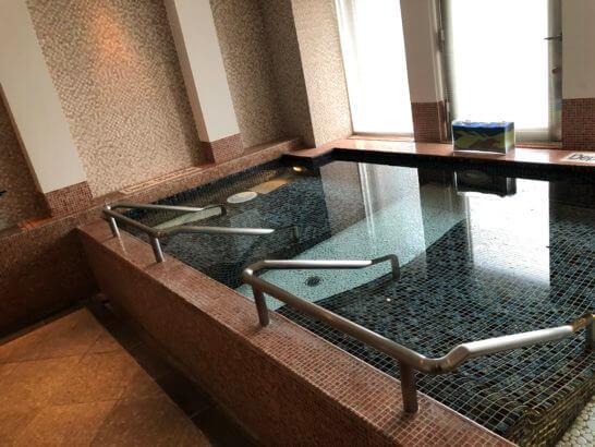 ウェスティンホテル東京のル・スパ・パリジエンのジャグジー (1)