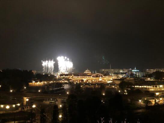 東京ディズニーランドホテルから見る花火