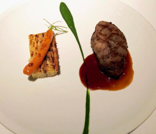 パークハイアット東京のニューヨークグリルのステーキ