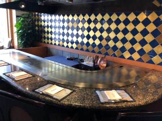ウェスティンホテル東京の鉄板焼 恵比寿の厨房・席