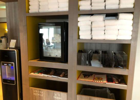 ウェスティンホテル東京のフィットネスジムのウォーターサーバー・おしぼり・タオル