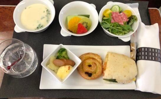 JALファーストクラスの機内食(羽田→那覇の朝食)