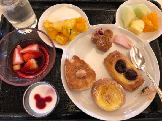 東京ディズニーランドホテルの朝食(パン・デザート)