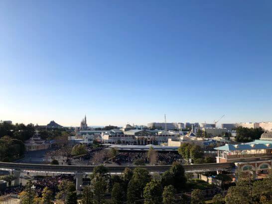 東京ディズニーランドホテルの客室からの景色(パークサイド)
