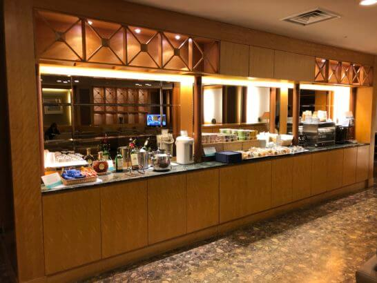 KAL Business Class Lounge(関空)のフードコーナー