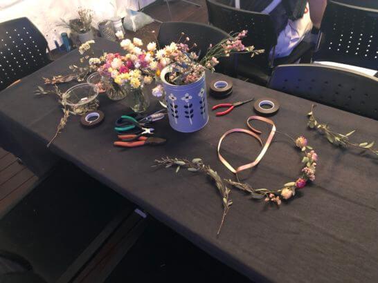 花冠作りの道具