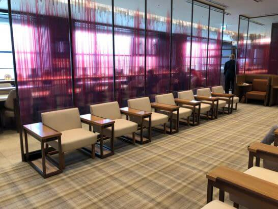伊丹空港ダイヤモンドプレミアラウンジの室内 (4)