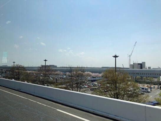 成田空港に行く途中の道路
