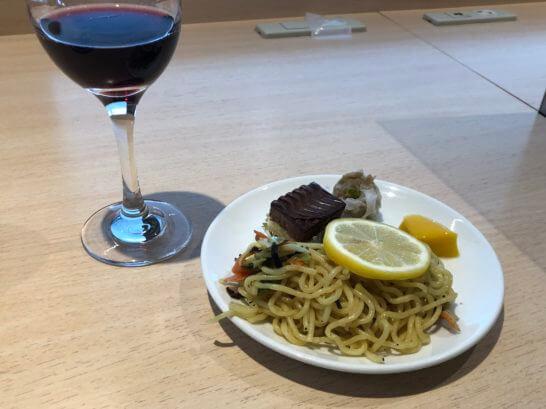 デルタ スカイクラブラウンジの食事 (1)