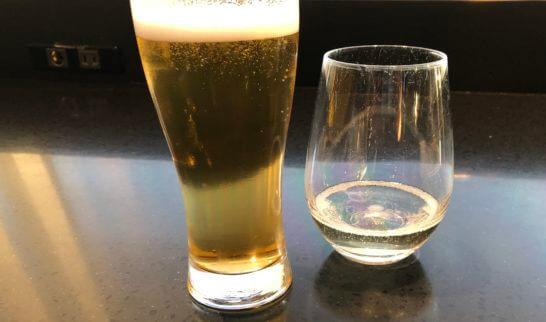 ANAラウンジ(羽田国際線)のビール、スパークリングワイン