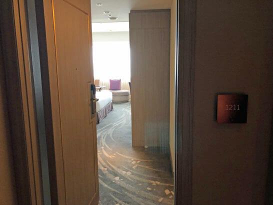 東京マリオットホテルのスーペリアキングの入り口