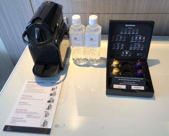 東京マリオットホテルのミネラルウォーター・カプセルコーヒー・コーヒーマシン