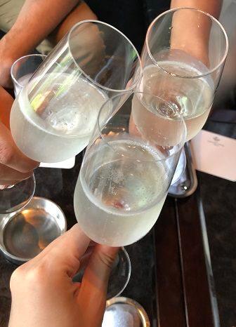 ザ・キャピトルホテル東急のバーでの乾杯