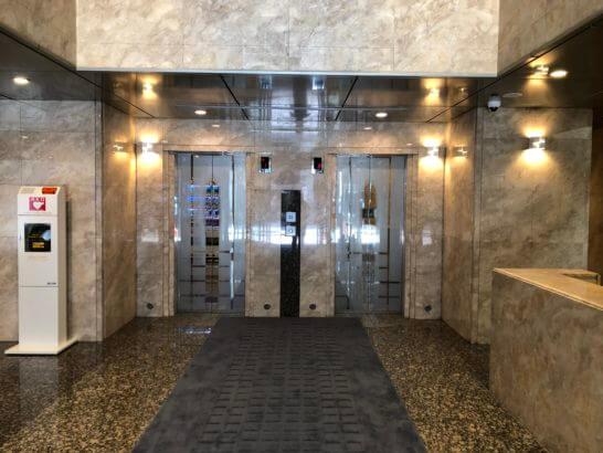 ダイヤモンド経営者倶楽部の建物のエレベーター