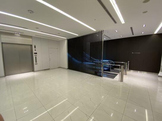 ANAラウンジ北へのエレベーター・エスカレーター(保安検査通過)