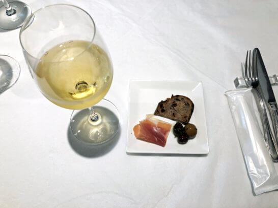ヴァン・ド・レーブのワインと前菜