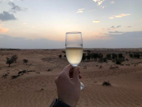 砂漠で飲むワイン