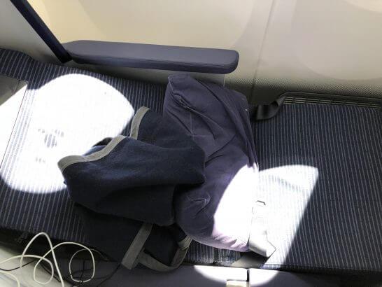 ANAビジネスクラスのフルフラットシート(ベッドモード)