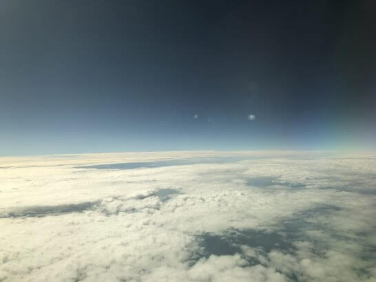ANAビジネスクラスの機中からの青空