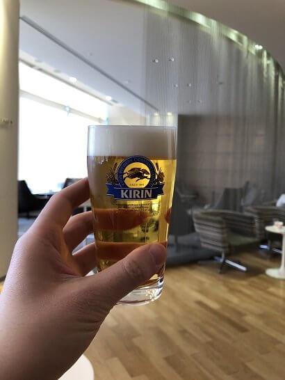 成田空港のKALラウンジの生ビール