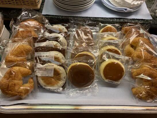 関空KALラウンジのパン