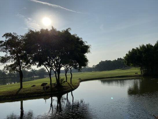 ルメリディアン スワンナプームのゴルフコースと池