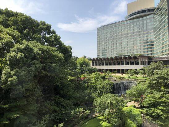 ホテルニューオータニの外観、庭園