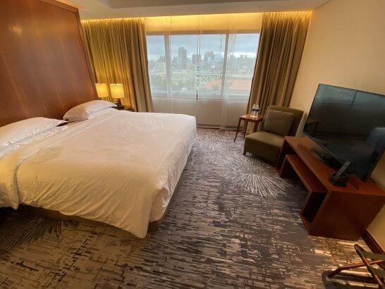 シェラトングランド台北ホテルのスイートのベッドルーム