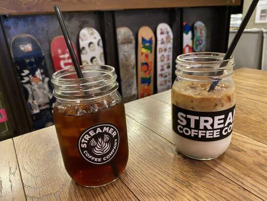 ストリーマーコーヒーのアイスコーヒーとアイスカフェラテ