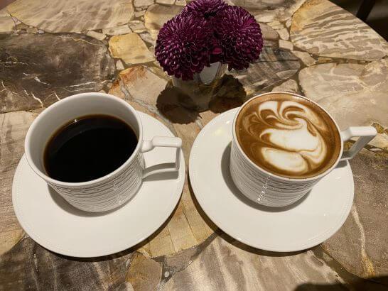 VILLA FOCH GINZAのコーヒーとカプチーノ