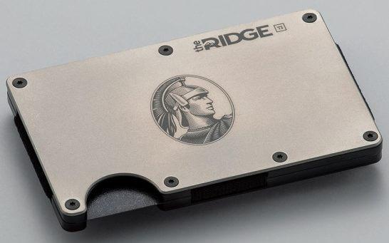 アメリカン・エキスプレス オリジナルの「the RIDGE チタニウム・マネークリップ」(シルバー)