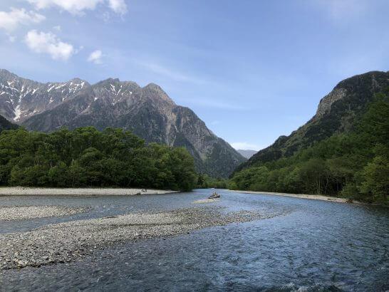 上高地の川と山
