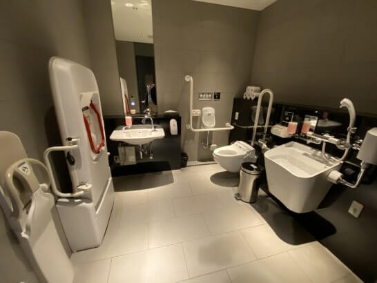 ANAスイートラウンジ(羽田T3)の個室トイレ