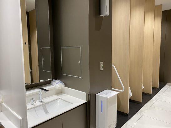 那覇空港ANAラウンジのトイレ