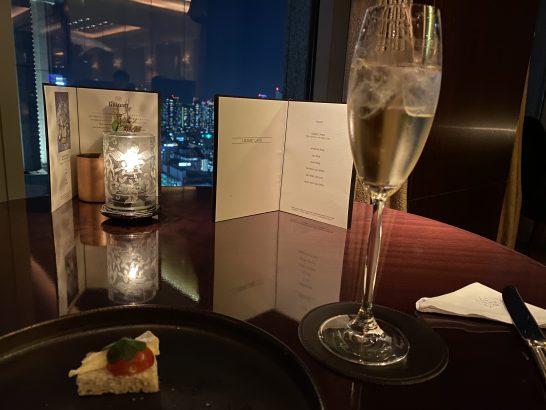 シャングリ・ラ ホテル東京のラグジュアリーラウンジアワーの檜ハイボール