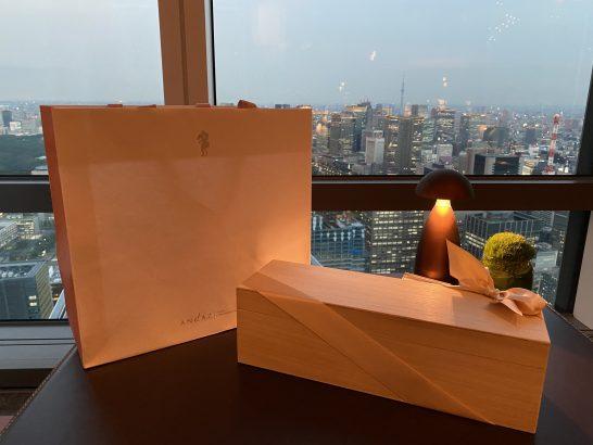 アンダーズ東京のタヴァンで広げた季能美 カスクエイジド 京都ドライジン