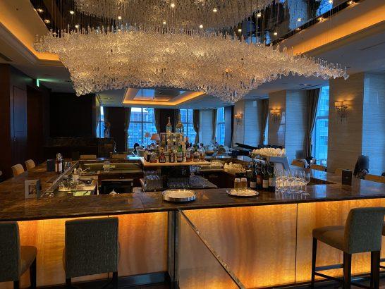 シャングリ・ラ ホテル東京のザ・ロビーラウンジのバーカウンター