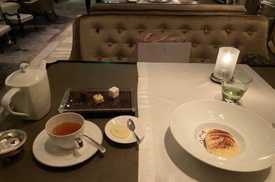 シャングリ・ラホテル東京のピャチェーレの小菓子・紅茶・デザート