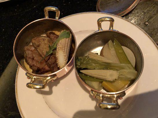 ザ・リッツ・カールトン東京のクラブラウンジのステーキと煮野菜