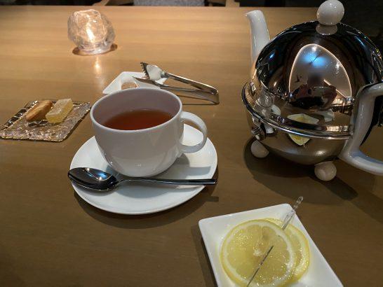 インターコンチネンタル横浜Pier8 Larboardの紅茶・小菓子