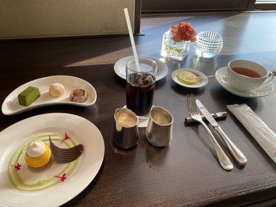 ウェスティンホテル大阪のエグゼクティブクラブラウンジのスイーツ・アイスコーヒー・ティー