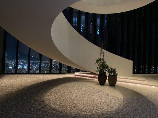 コンラッド大阪の階段