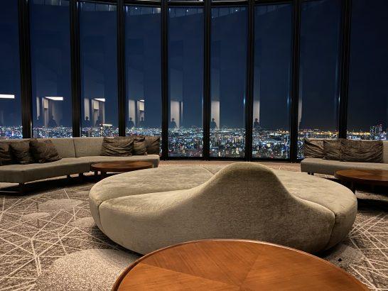 コンラッド大阪の39Fのソファー